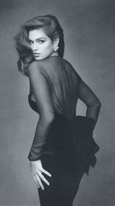 Cindy Crawford for Vogue France, Photo: Patrick Demarchelier Check out the website to see how I lost 20 pounds last month Top Models, Patrick Demarchelier, Claudia Schiffer, Terry Richardson, Naomi Campbell, Vogue, Linda Evangelista, Karen, Cindy Crawford