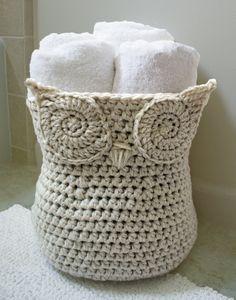 Crochet Pattern-- The Original Owl Basket --Crochet Pattern Häkelanl.--Original Owl Korb--Crochet Pattern Mehr History of Knitting String rotating, weaving and stitching jobs suc. Crochet Diy, Crochet Simple, Crochet Owls, Crochet Home, Crochet Crafts, Yarn Crafts, Crochet Storage, Crochet Ideas To Sell, Diy Crafts
