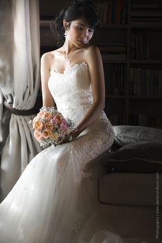 Элегантное свадебное платье от Pronivias с вышитыми узорами / Embroidered wedding dress by Pronovias