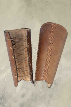 Squire Bracers - Brown