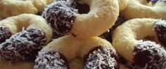 Recept Čoko-koko vánoční rohlíčky Christmas Baking, Christmas Cookies, Christmas Recipes, Czech Recipes, Toblerone, All Things Christmas, Bagel, Doughnut, Cooker
