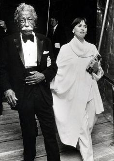 Gordon Parks and Gloria Vanderbilt Gordon Parks, People Icon, Renaissance Men, Camera Shots, Iconic Photos, Black Artists, Gloria Vanderbilt, Glamour Photography, High Society