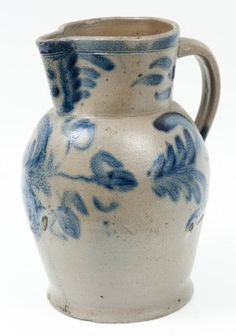 Baltimore cobalt blue leaf and floral decorative stoneware pitcher, 10 on Jan 2012 Antique Crocks, Old Crocks, Antique Stoneware, Stoneware Crocks, Pottery Plates, Glazes For Pottery, Pottery Sculpture, Antique Decor, Contemporary Ceramics