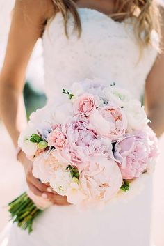 18 pink wedding bouquets to fall in love with 7