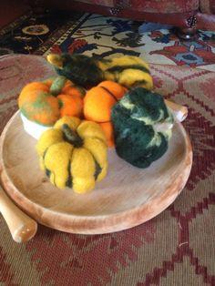 zucche ornamentali o gioco per bambini in lana di CreazioniMonica