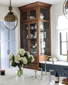 Home Decor Kitchen, Kitchen Interior, Home Kitchens, Big Kitchen, Kitchen Wood, Küchen Design, House Design, Interior Design, Interior And Exterior