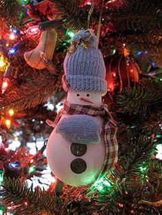 Light Bulb Snowman Ornament craft