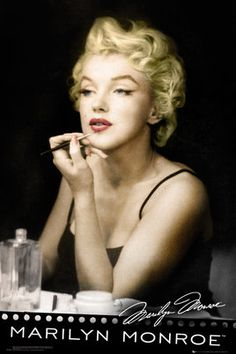 Welcome to the Marilyn Monroe Official Store! Shop online for Marilyn Monroe merchandise, t-shirts, clothing, apparel, posters and accessories. Marilyn Monroe Poster, Marilyn Monroe Photos, Marylin Monroe, Joe Dimaggio, Divas, Glenda, Cinema, Hollywood Icons, Hollywood Regency
