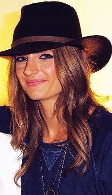 Just look that smile <3 and gorgeous hair and that awesome hat and that flawless STANA KATIC