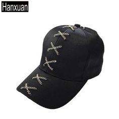 Peaked Cap, Cross Chain, Piercing Ring, Minimal Chic, Caps Hats, Baseball Cap, Cloths, Curly Hair Styles, Cool Outfits