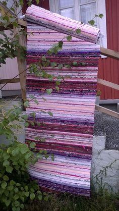 Matto nro 2: 30 vuoden tauon jälkeen aloin kutoa mattoja. Kiikkalaiset matot heti alkuun.