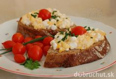 Fotorecept: Nátierka z cottage cheese a praženice Cottage Cheese, Baked Potato, Potatoes, Meals, Baking, Ethnic Recipes, Fit, Bread Making, Meal