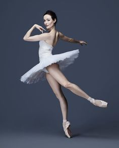 Via @ballet7579 @amber_e_scott :#ballet#ballerina#ausballet#dancer#beautiful#tutu#pointeshoes#like4like#white#amberscott