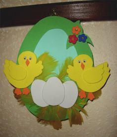 SüniSüti: Húsvéti dekorgumi Creative Arts And Crafts, Diy And Crafts, Crafts For Kids, Easter Egg Crafts, Bunny Crafts, Paper Flowers Craft, Flower Crafts, Preschool Art Projects, Plastic Bottle Crafts