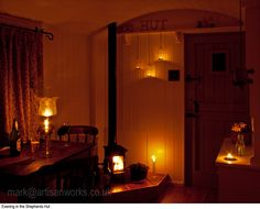 The fabulous atmosphere of a traditional Shepherd's Hut in the evening Shepherds Hut, The Shepherd, Little Cottages, Little Houses, Artisan Works, Magical Room, Gypsy Living, Mobile Living, Cabin Ideas
