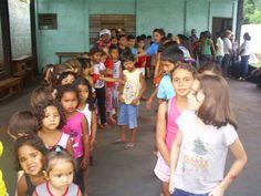 PÉ NO CHÃO - POSTO DE ASSISTÊNCIA ESPÍRITA CRISTÃ: FILA para o Passe infantil.