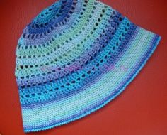 панамка для мальчика крючком Crochet Beanie, Crochet Hats, Beret, Rugs, Knitting Hats, Farmhouse Rugs, Berets, Crochet Beret, Floor Rugs