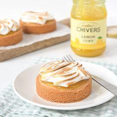 Deze lemon-meringue sloffentaartjes zijn té lekker! Ik geef je het recept zodat je ze zelf kunt maken om al je gasten mee te verblijden.