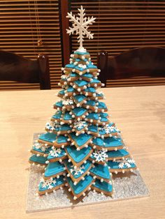 Gingerbread Christmas tree - Gingerbread and royal icing