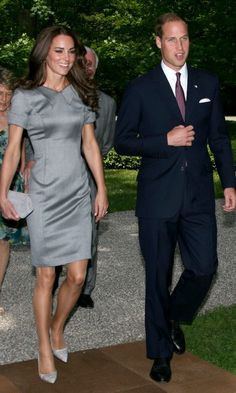 Kate Middleton Looks Chic In A Grey Dress With Prince William In Canada, 2011
