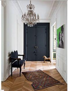 Grand. Elegant. Simple. Floorboards. Cornicing. Persian rug. Parisian.