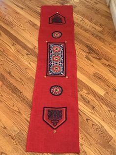 Ramadan table runner made out of red burlap and decorated with traditional khayamia fabric Ramadan Activities, Halloween Activities For Kids, Burlap Crafts, Diy Crafts, Islamic Celebrations, Ramadan Cards, Ramadan Decorations, Table Runners, Making Out