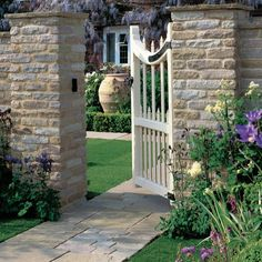 A perfect choice to add character and value to period properties and country homes. Antique Sandstone 'Vintage' Manor is a durable buff tumbled sandstone and can create your ideal garden design. Natural Bath Bombs, Patio Slabs, Masonry Wall, Diy Garden Decor, Garden Ideas, Paving Stones, Hanging Plants, Garden Planning, Backyard Landscaping