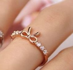 Anillos de moda verano para gorditas 7 Cute Jewelry, Bridal Jewelry, Jewelry Rings, Jewelery, Jewelry Accessories, Jewelry Design, Bijoux Or Rose, Cute Rings, Fantasy Jewelry