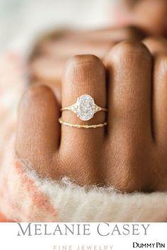 Dream Engagement Rings, Classic Engagement Rings, Engagement Ring Settings, Oval Gold Engagement Ring, Oval Wedding Rings, Oval Rings, Classic Wedding Rings, Different Engagement Rings, Vintage Inspired Engagement Rings