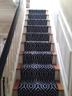 Gorgeous stair runner - had to share - Lorri Dyner Design Basement Carpet, Basement Stairs, House Stairs, Carpet Stairs, Hall Carpet, Navy Stair Runner, Staircase Runner, Stair Runners, Shopping
