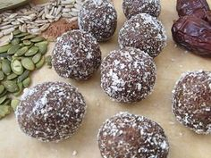 Sometimes it can be hard to find yummy protein-rich snacks when you have food allergies. These little treats are so tasty and contain healthy seeds packed full of protein. Signs Of Food Allergies, Common Food Allergies, Protein Rich Snacks, Protein Ball, Healthy Snacks, Healthy Eating, Healthy Seeds, Bliss Balls, Balls Recipe