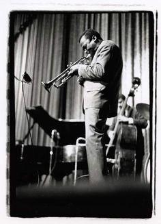 Miles Davis Quintet, Famous Album Covers, Paul Chambers, San Francisco Art, Pink Floyd, Cover Photos, Dark Side, Jazz, Nyc