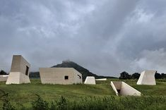 Image 6 of 28 from gallery of Archeopark Pavlov / Architektonicka kancelar Radko Kvet. Photograph by Gabriel Dvořák Arch Architecture, Memorial Architecture, Vernacular Architecture, Amazing Architecture, Modern Buildings, Interior And Exterior, Construction, Earth, Gallery