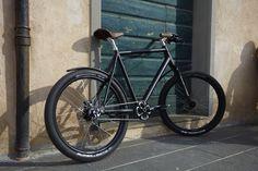 "Award winning retro bike ""Edelrose City Maxi"""