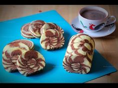 5 Ways to Decorate a Cake Using Tip Mug Recipes, Baby Food Recipes, Baking Recipes, Sweet Recipes, Cake Recipes, Dessert Recipes, Food Cakes, Swiss Roll Cakes, Sweets