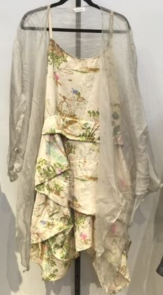 this natural palette is gorgeous and love the sheer over- jacket..  ......