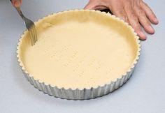4 Μοναδικές συνταγές για δροσιστικά γλυκά που θα λατρέψεις! | ediva.gr Candy Recipes, Pie Dish, Food Network Recipes, Sweets, Dishes, Desserts, Tailgate Desserts, Deserts, Gummi Candy