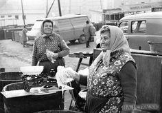 """""""ieto tetky predávajúce na trhovisku na Miletičovej chutné kvasáky (kyslé uhorky) a kyslú kapustu si dobre pamätám. Už asi nie sú medzi nami."""" Bratislava, Nostalgia, Fotografia"""