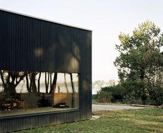 Oyster Farm Hangar / Raum Architects