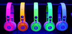 Cheap Beats By Dre,Beats Solo HD headphones by Dr Dre,Best Gifts for Boys and Girls - The Perfect Gift Store Beats By Dre, Cute Headphones, Over Ear Headphones, Wireless Headphones, Sports Headphones, Cheap Beats, Monogram Wallpaper, Neon Glow, Neon Colors