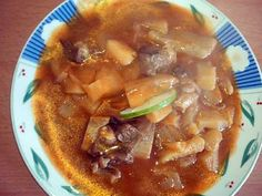 La meilleure recette de Ragoût de banane vertes et manioc, avec de la viande au sauce tomate..! L'essayer, c'est l'adopter! 5.0/5 (3 votes), 6 Commentaires. Ingrédients: - 5 bananes vertes - 1 manioc - 500 gr de viande (boeuf) - 2 oignons - 1 citron - 1 boîte de tomate concentrée - 2 càs d'huile - cumin/ poivre/ ail/ sel - 1 citron