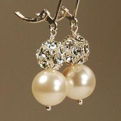#pearl #earrings #jewelry #accessories #patterns #elegant #formal #winter