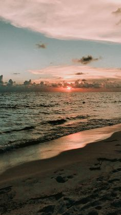 Photo Wall Collage, Picture Wall, Aesthetic Backgrounds, Aesthetic Wallpapers, Pretty Sky, Sunset Wallpaper, Sky Aesthetic, Summer Aesthetic, Background Pictures