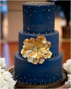To see more gorgeous cake ideas: http://www.modwedding.com/2014/11/24/ravishing-wedding-cake-inspiration-romantic-details/ #wedding #weddings #wedding_cake Photographer: Kriea Arie Photography