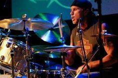 Le batteur des Red Hot Chili Peppers en solo - Chad Smith