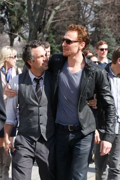 Tom Hiddleston and Mark Ruffalo in Moscow on April 17, 2012 [HQ] (x) <----- the amount if adorable in this picture kills me....