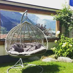Zeit für Entspannung. Wunderbar ausgepowert zurück von einem erlebnisreichen Urlaubstag in Tirols Sport- & Vitalpark? Oder einfach nur Lust auf Entspannung und Nichtstun?  Alles, was ihr für erholsame Stunden oder den perfekten Wellness-Tag brauchen, findet ihr in unserer St. Georg Vitalwelt.