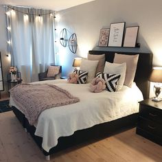 Most Popular and Amazing Bedroom Design Ideas for This Year Part bedroom. - Future home - Bedroom Decor Bedroom Designs For Couples, Cute Bedroom Ideas, Room Ideas Bedroom, Small Room Bedroom, Awesome Bedrooms, Home Decor Bedroom, Master Bedroom, Couple Bedroom, Girls Bedroom
