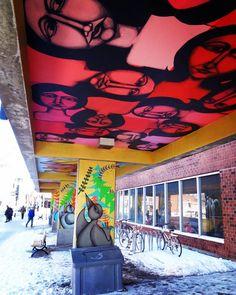 #montreal #villedemontreal #montrealcity #villeray #ruejarry #graffiti #metrojarry #metro #stationdemetro #metrostation #subwaystation #oiseaux #visages #bicyclettes #velos #birds #faces #bicycles #bikes #artderue #mural #streetart #quebec #canada by montrealfhsm