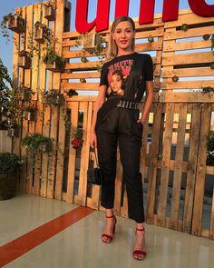 "13.1k aprecieri, 55 comentarii - Alina Eremia (@alinaeremiaoficial) pe Instagram: ""@unica_romania rooftop #unicarooftopparty#touchofred  @loulouthebrand jumpsuit "" Rooftop Party, U & I, Romania, Cloths, Jumpsuit, Band, Outfits, Inspiration, Instagram"